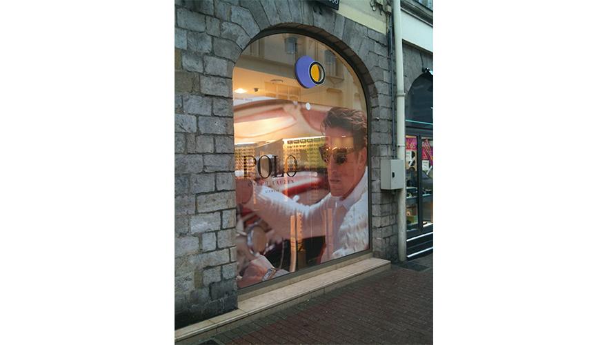 Décoration vitrine impression numérique sur transparent opticien