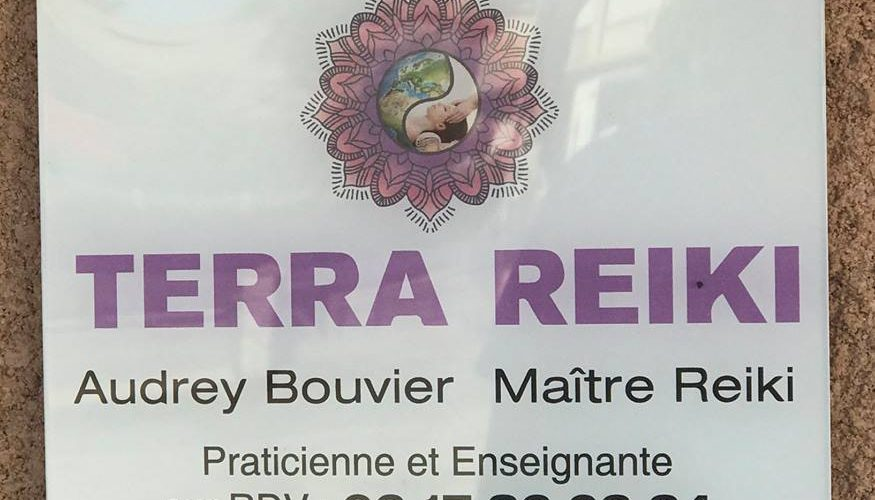 Réalisation plaque plexi pour Terra Reiki Borgo par l'agence PANO Bastia