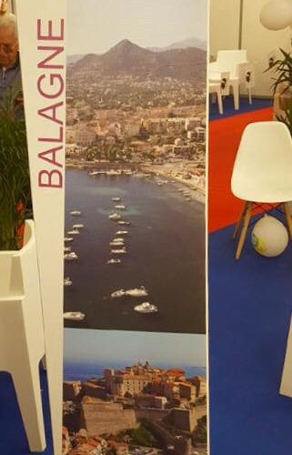 Notre totem 3 faces pour Bastia Tourisme présent lors de la Foire de Marseille dans le Village Corse , réalisation PANO Bastia Corse
