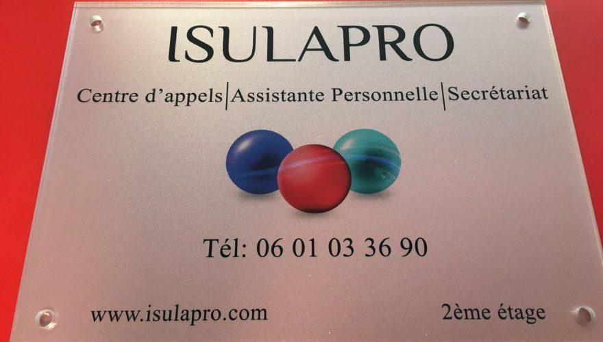 Plaque plexi  pour ISULA PRO Bastia par l'équipe PANO/Corse Régipub Biguglia
