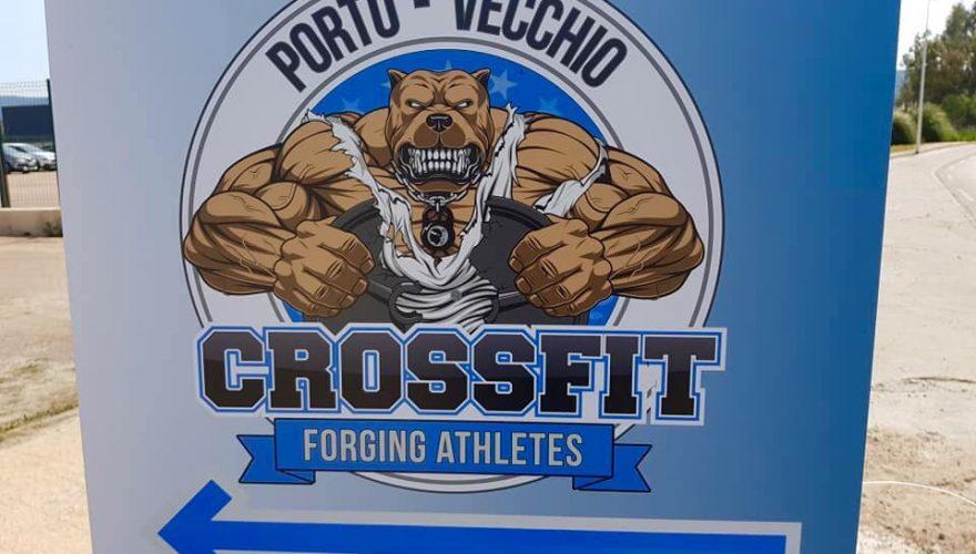 Des panneaux indicatifs en impression numérique pour CrossFit Porto-Vecchio par l'équipe Pano Bastia