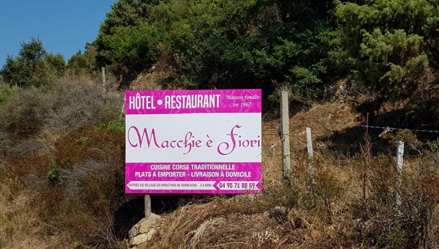 abrication de panneaux pour l'Hôtel Restaurant Macchie è Fiori ! 🔴 #panneaux #signs #PANO #corsica #communication