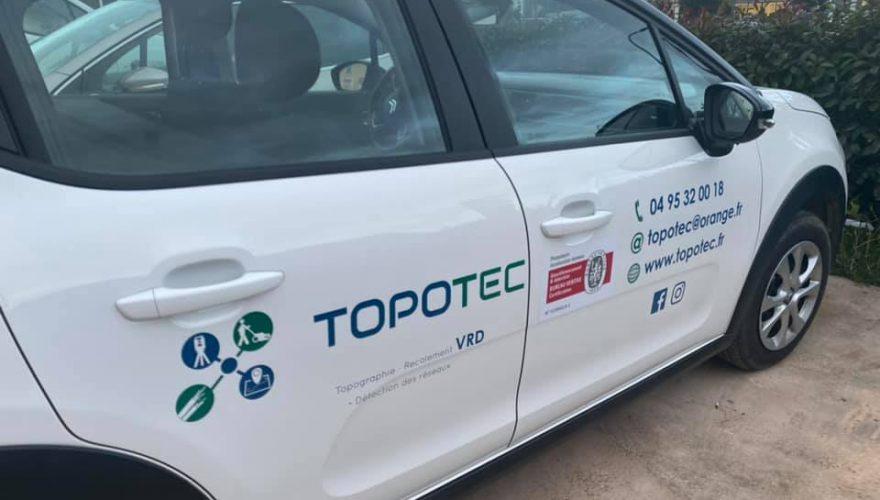 Marquage véhicule pour TOPOTEC par notre équipe PANO Bastia