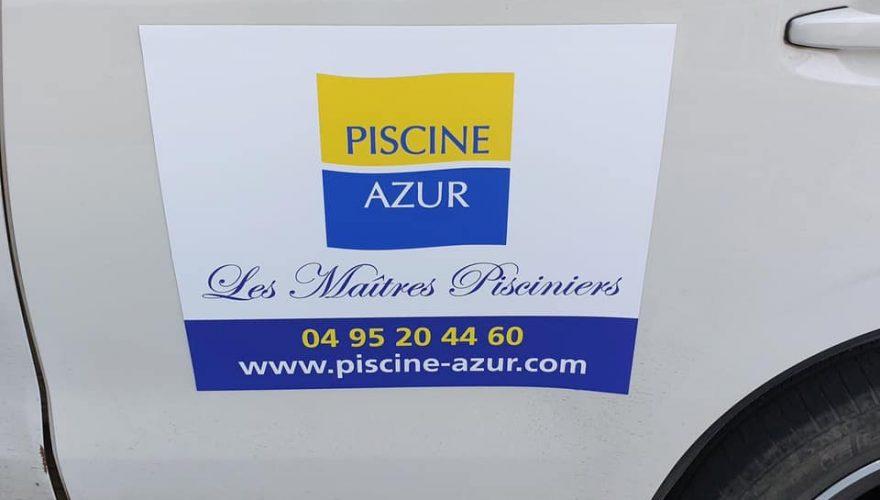 Plaques magnétiques véhicule pour Piscine Azur à Ajaccio réalisées par notre équipe PANO Bastia