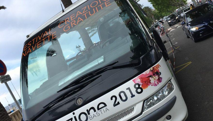 Marquage adhésifs ( adaptation infographie,fabrication et pose) sur Bus touristique à l'occasion du festival Creazione pour l'office de tourisme de Bastia par l'équipe PANO/Corse Régipub Biguglia.